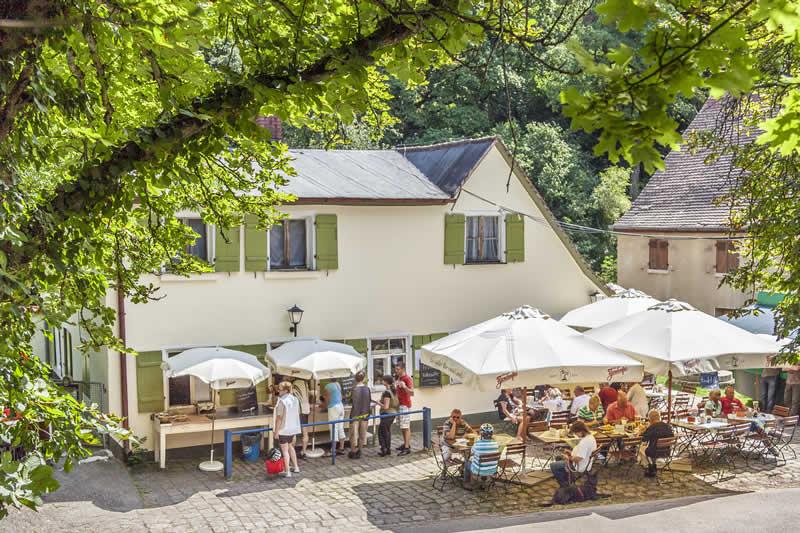 Gasthof Hotel Gruner Baum In Kornburg Familie Blodel